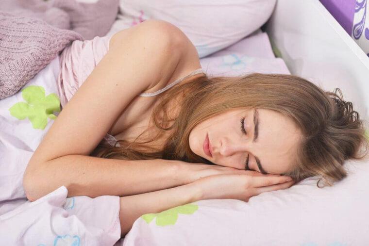音楽は寝つきを良くする?
